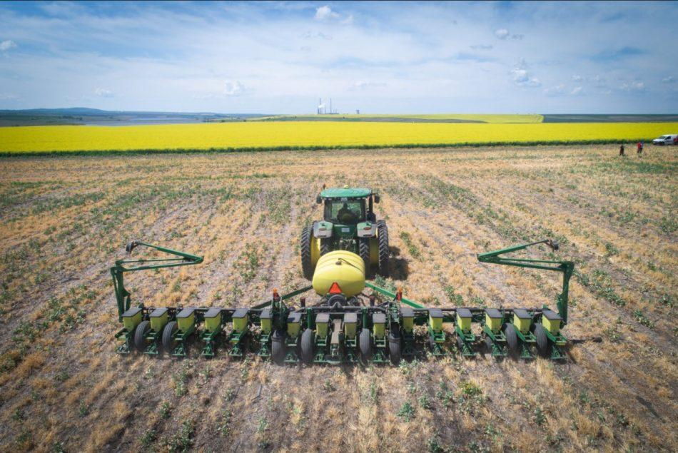 Полевата работа с Precision Planting е повече от лесна